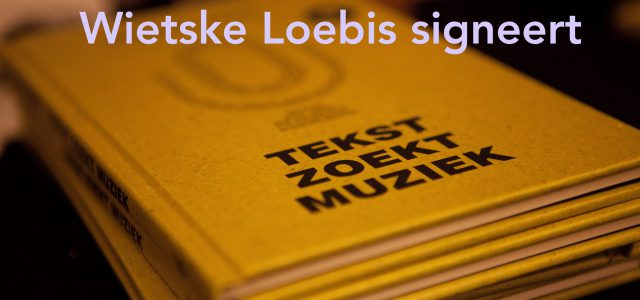 Wietske Loebis signeert én dicht