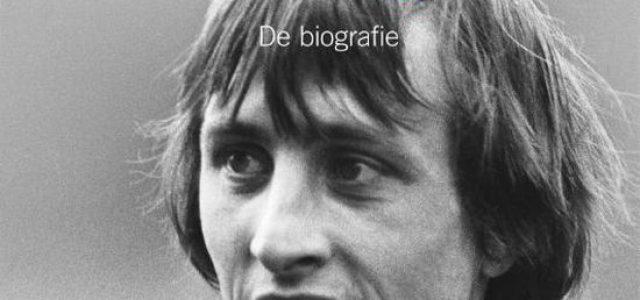 Johan Cruijff: de biografie tijdelijk slechts € 17,50!